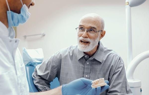 Colocació implants zigomatics